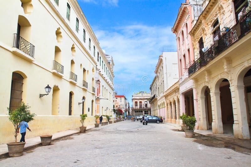 Straße im alten Teil von Havana. Kuba lizenzfreie stockfotos