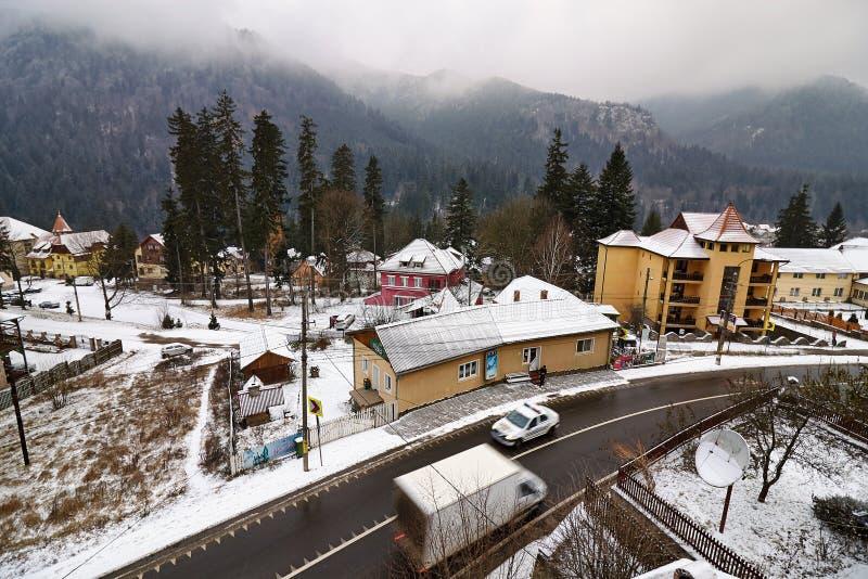 Straße im Winter, Rumänien lizenzfreies stockbild
