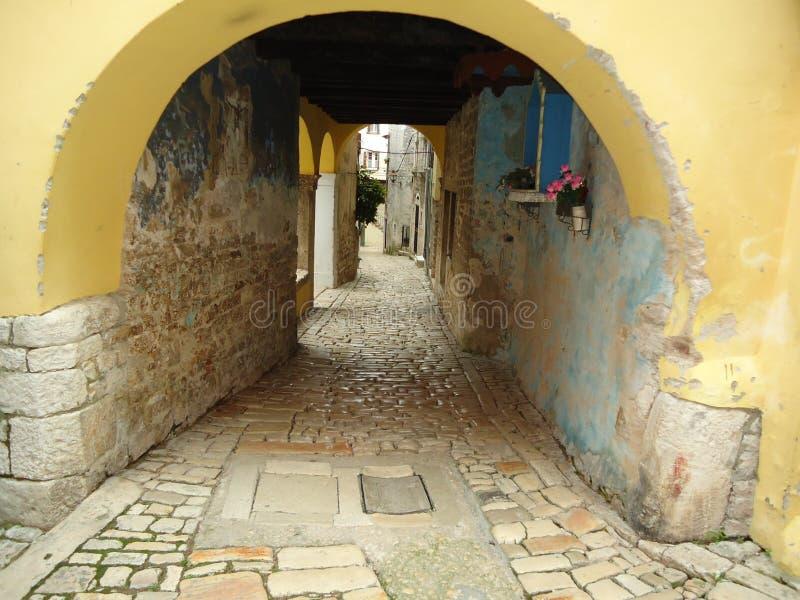 Straße irgendwo in Rovinj lizenzfreie stockfotos