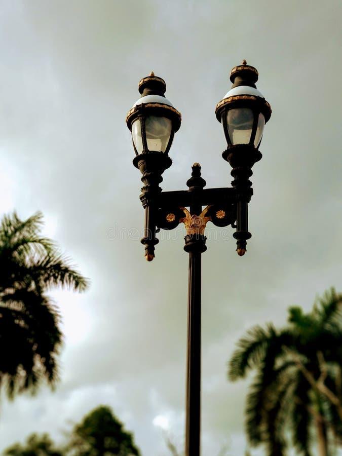 Straße lampost Straßenbeleuchtungsansammlung lizenzfreie stockfotos