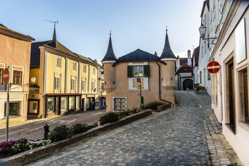 Straße in Melk-Stadt in Österreich stockfotografie