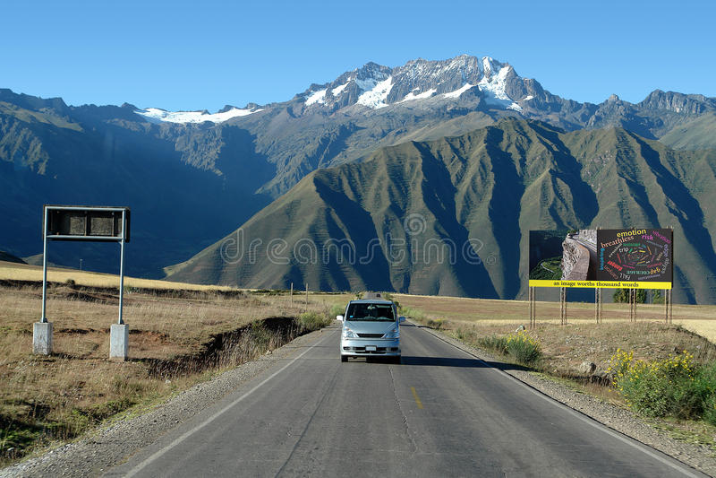 Straße nahe Cuzco, Peru stockbild