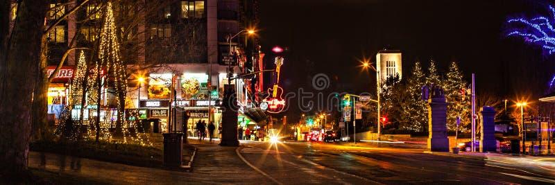 Straße in Niagara Falls auf dem EveÑŽ des neuen Jahres lizenzfreie stockfotografie