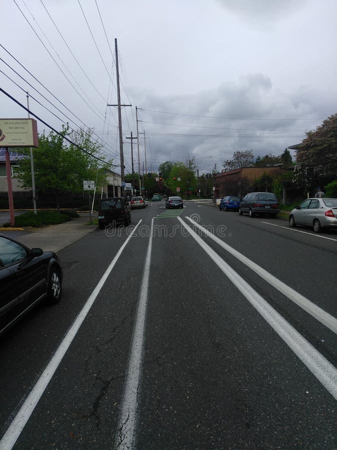 Straße in Portland an einem bewölkten Tag lizenzfreies stockfoto