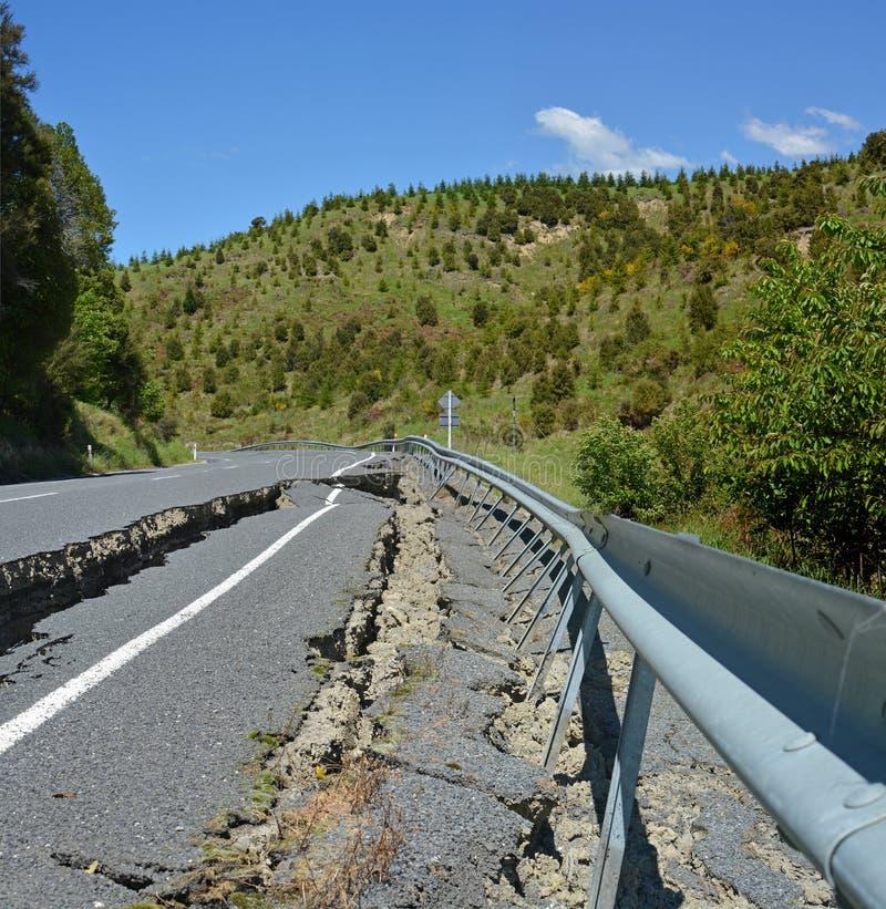 Straße unwegsam an der Spitze der Hunderlee-Hügel stockfoto