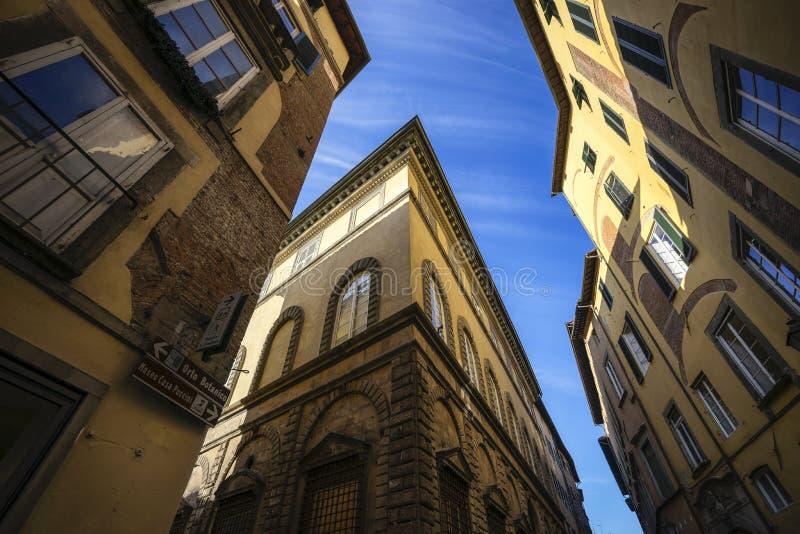 Straße von Lucca lizenzfreie stockfotografie