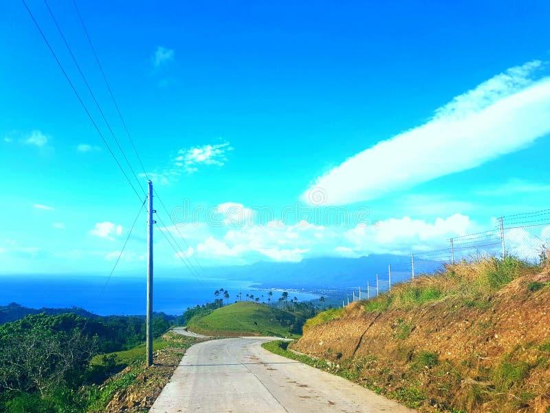 Straße zu Lintaon-Spitze Baybay-Stadt Leyte lizenzfreies stockfoto