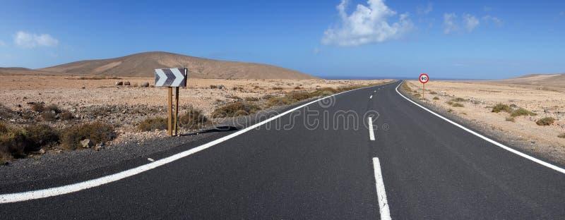 Download Straße Zu Los Molinos, Fuerteventura, Kanarische Inseln Stockfoto - Bild von ferien, zeichen: 26355108