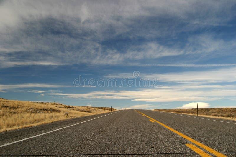 Straße zu nirgendwo stockfoto