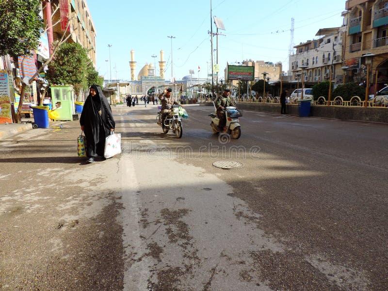 Straße zum heiligen Schrein von Abbas Ibn Ali, Kerbela, der Irak stockfoto