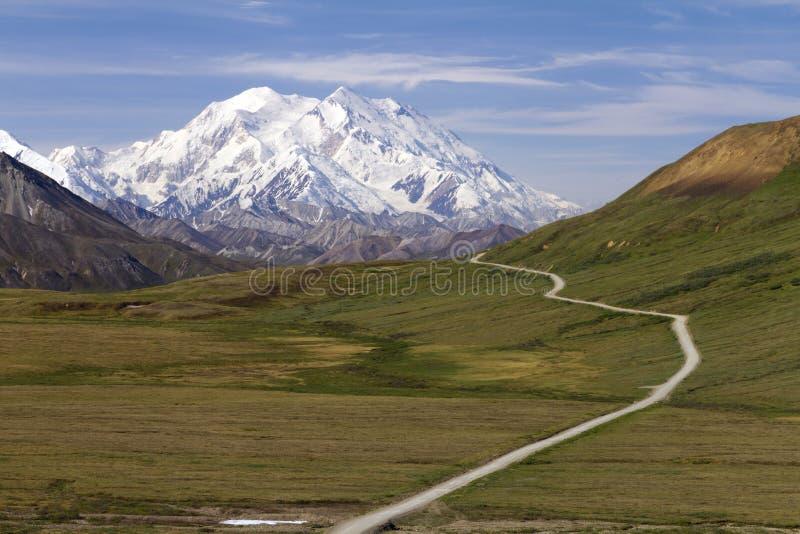 Straße zum Mount McKinley lizenzfreies stockbild