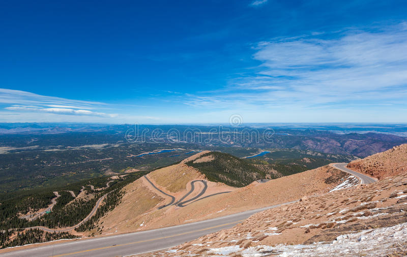 Straße zum Pike-Spitzengipfel, Colorado-Frühling, Colorado stockfoto
