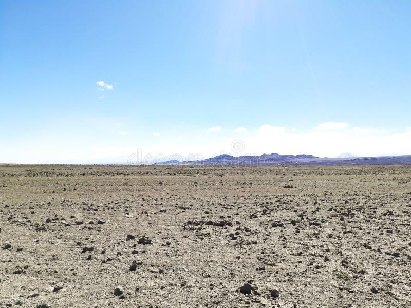 Straße zur natürlichen Reserve des Flamingos, Chile stockfotos