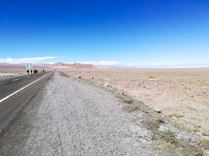Straße zur natürlichen Reserve des Flamingos, Chile stockfotografie