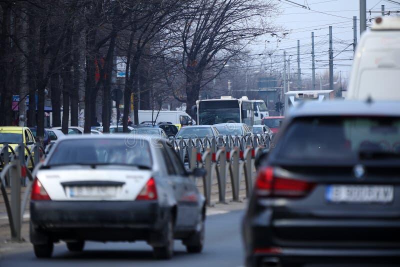 Straßen in Bukarest, starker Verkehr stockfotos
