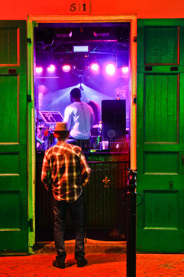 Straßen-Musik New- OrleansBourbon bei Razzoo lizenzfreies stockfoto