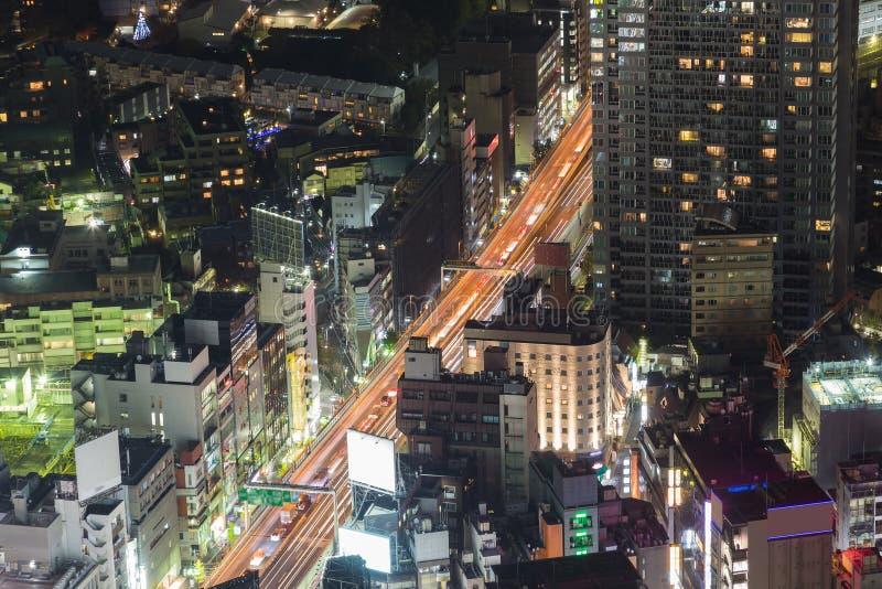 Straßen-Nachtansicht der Stadt im Stadtzentrum gelegene lizenzfreie stockfotos