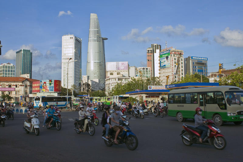 Straßen-Verkehr in Saigon stockfotos
