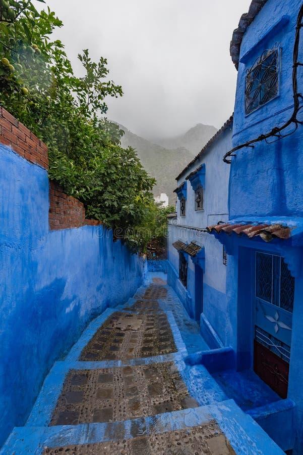 Straßen von Chefchaouen, der blauen Stadt Marokkos stockbild