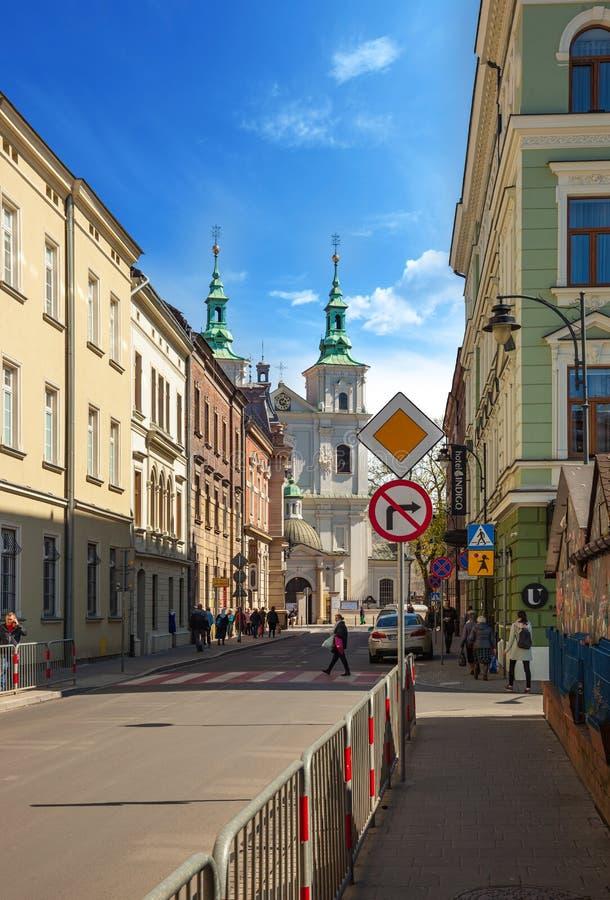 Straßenansicht des der Kirche St. Florians in Krakau, Polen lizenzfreie stockfotos