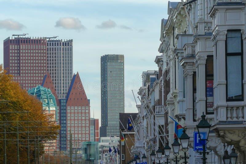Straßenansicht von Den Haag Stadtskylinen stockbilder
