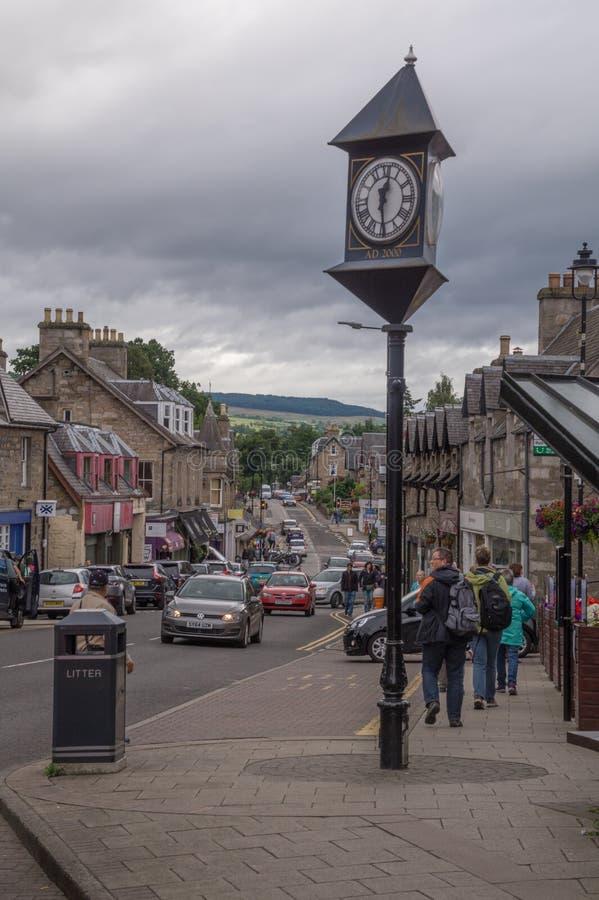 Straßenansicht von Pitlochry, Schottland stockfotografie