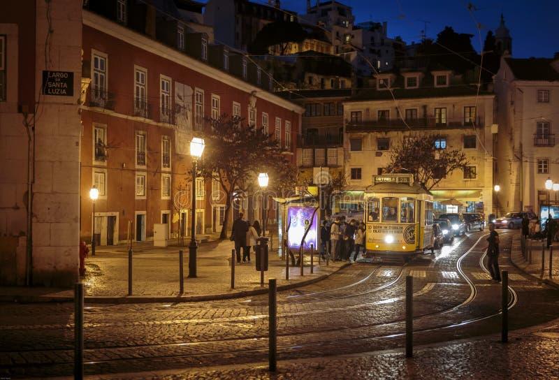 Straßenbahn Lissabon lizenzfreie stockfotos