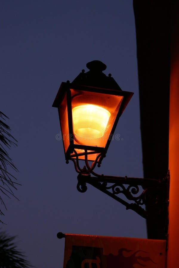 Straßenbeleuchtung stockbild