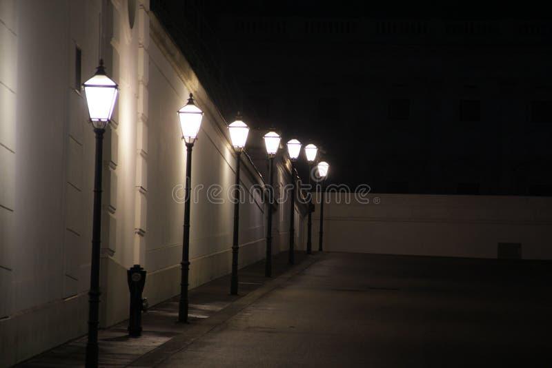 Straßenbeleuchtung nachts stockbilder