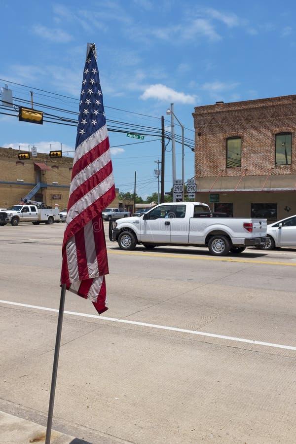 Straßenbild in der Stadt von Giddings im Schnitt von U S Landstraßen 77 und 290 in Texas stockbilder