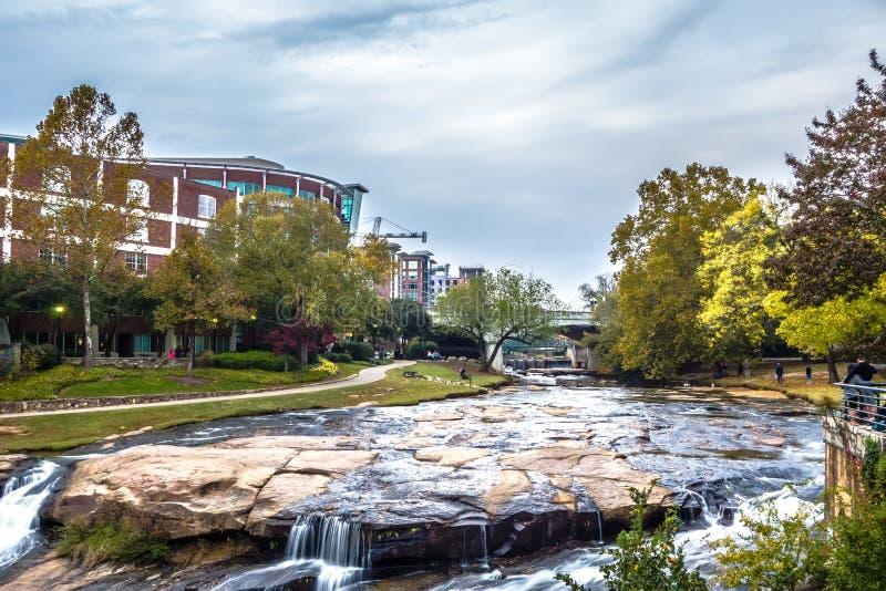 Straßenbilder um Fallpark in Greenville South Carolina lizenzfreies stockbild