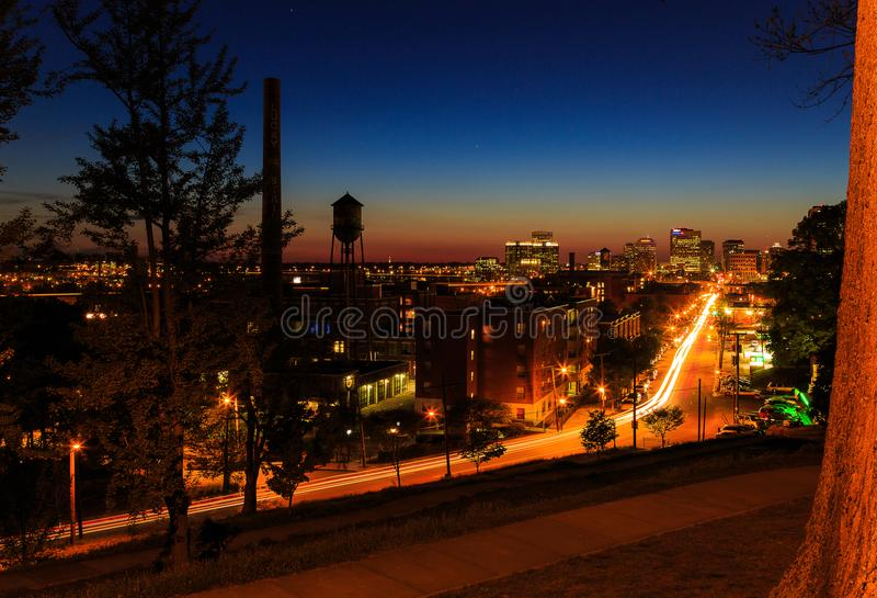 Straßenbilder von Libby Hill Richmond Va am Abend lizenzfreie stockbilder