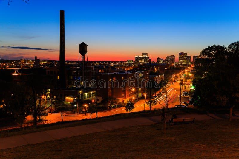 Straßenbilder von Libby Hill Richmond Va am Abend lizenzfreies stockbild