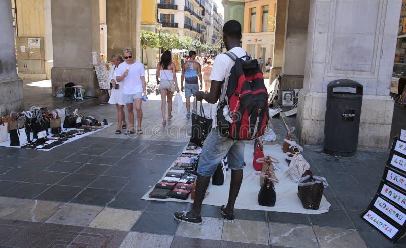 Straßenhändler des Luxuskopienverkaufs stockfoto