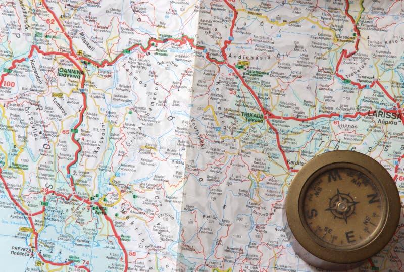 Straßenkarte mit Kompass stockbild