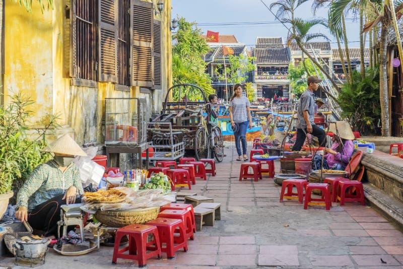 Straßenlebensmittel in Hoi An, Vietnam stockbilder