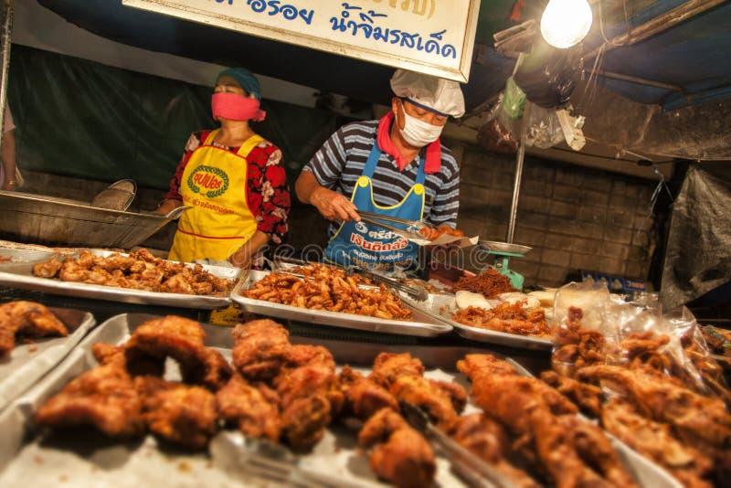 Straßennahrung in Thailand lizenzfreie stockbilder