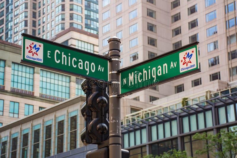 Straßenschild auf der Ecke von Chicago-und Michigan-Allee stockfoto