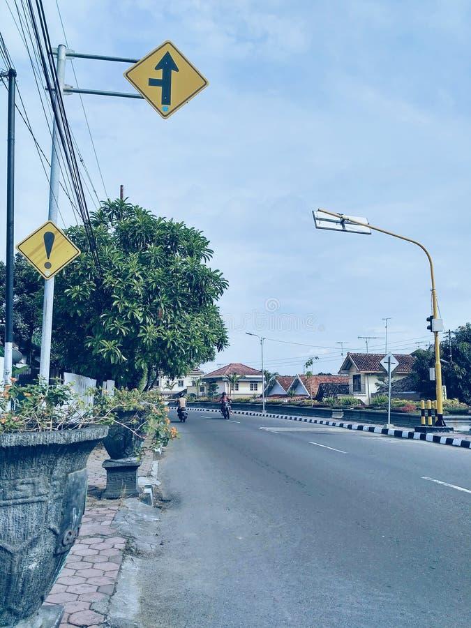 Straßenschildfoto am Morgen stockfoto
