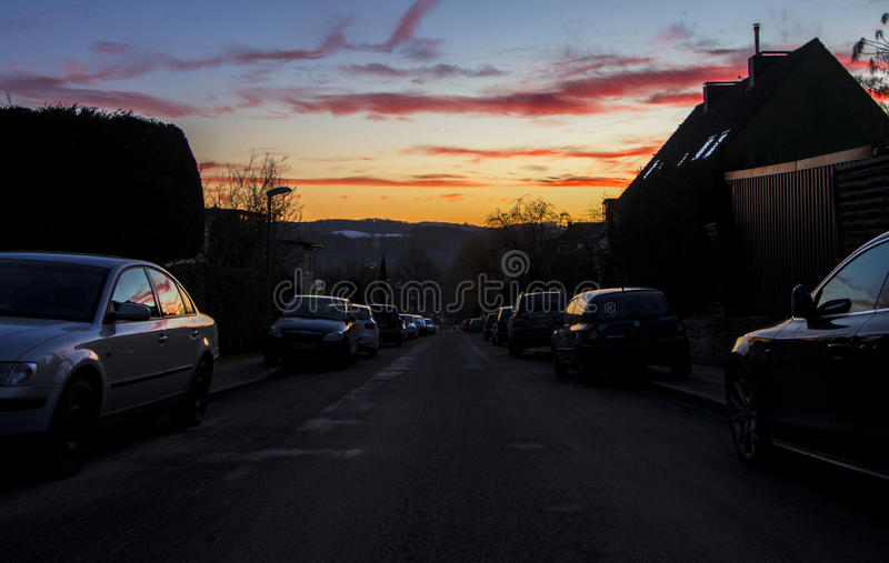 Straßensonnenuntergang stockfotografie