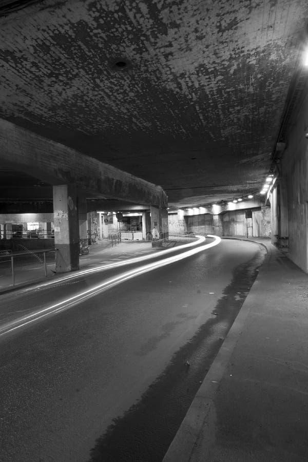 Straßentunnel lizenzfreie stockfotos