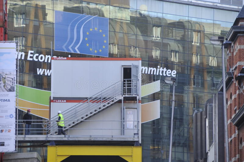 Straßenverbesserung bearbeitet Brüssel Belgien, Dezember 2013 stockfotografie