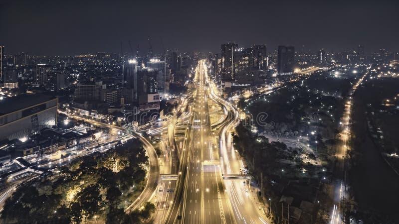 Straßenverkehr in der Stadt bei Thailand stockfotos