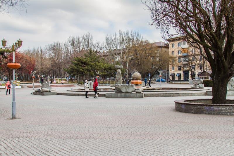 Straßen der Stadt von Zaporozhye stockbilder