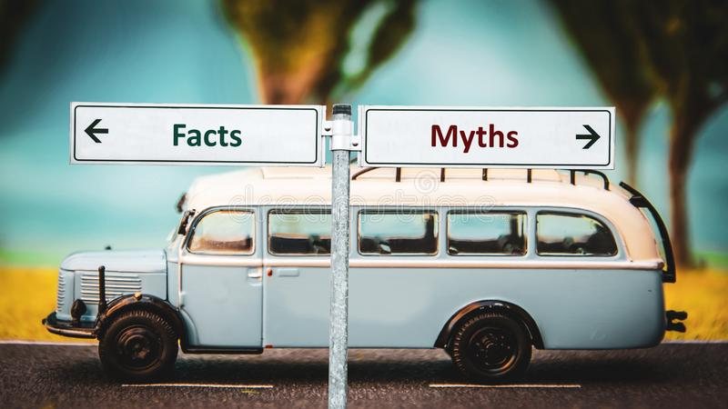Stra?enschild zu den Tatsachen gegen Mythen stockfoto