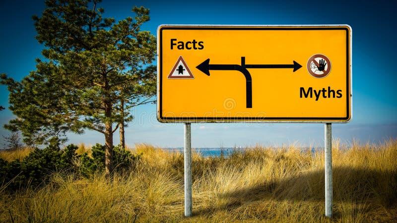 Stra?enschild zu den Tatsachen gegen Mythen lizenzfreie stockfotografie