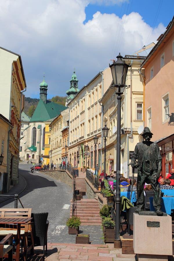 Straat in Banska Stiavnica, Slowakije 2017 04 30 royalty-vrije stock foto