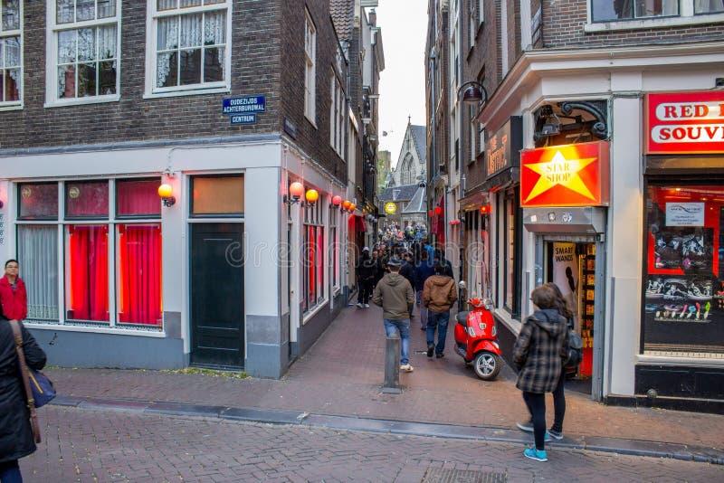 Straat bij rood lichtdistrict royalty-vrije stock fotografie
