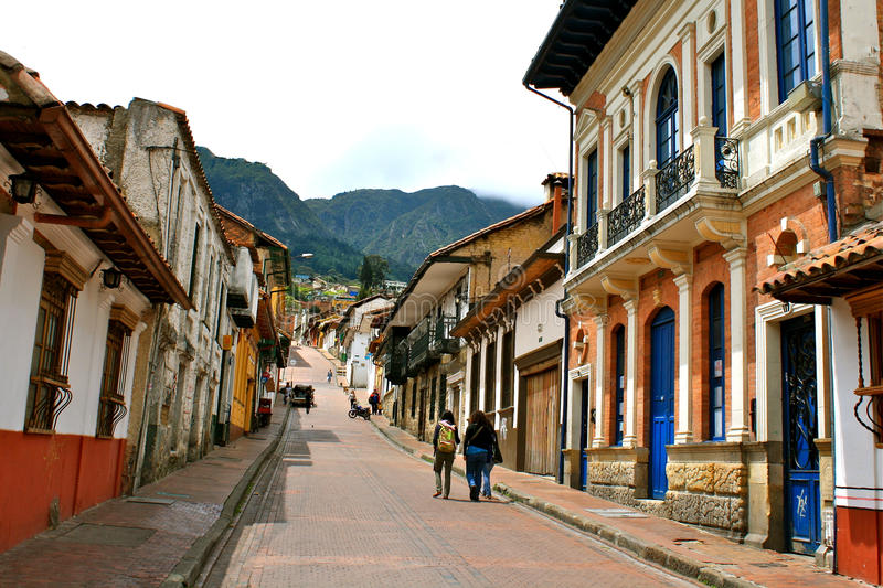 Straat in Bogotá´s historisch centrumLa Candelaria stock fotografie
