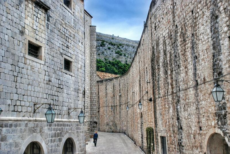 Straat in de oude stad Dubrovnik, Kroatië royalty-vrije stock foto's